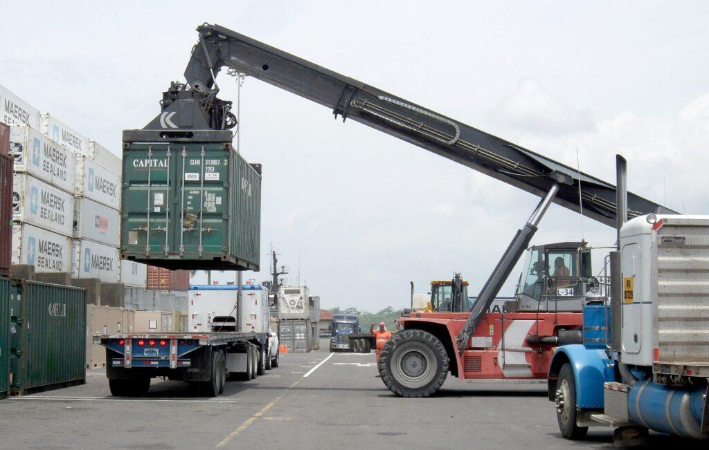 Услуги таможенного брокера таможенное оформление грузов таможенный брокер